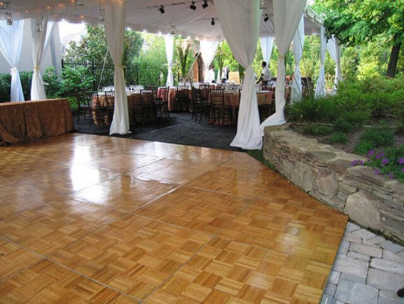 custom-installation-parquet-wood-dance-floor,-notched