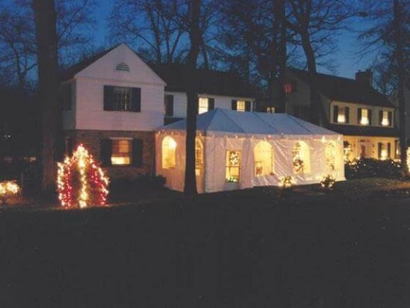 frame-tent-christmas-tent-outside