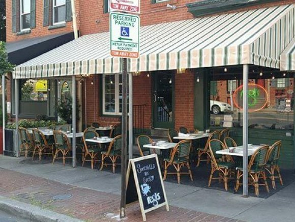 commercial-awning-cafe-seating